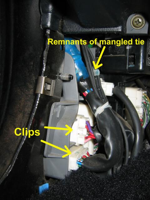 Kick panel harness clips